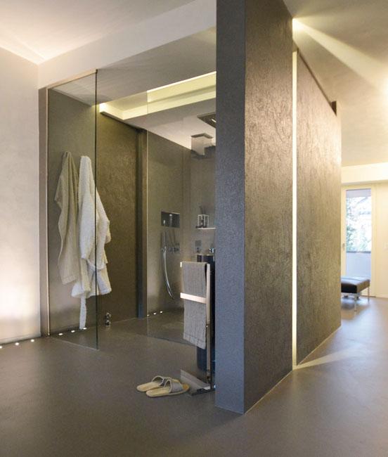 salle de bain en oltremateria, un matériau utilisé par la société materia