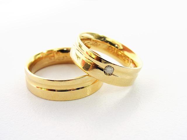deux alliances en or