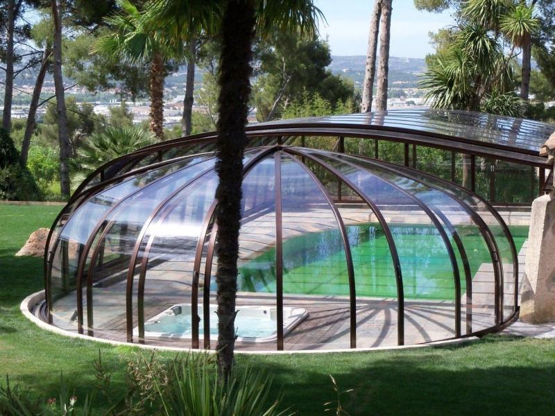 Abri de piscine Normandie Rotonde chez Eureka Worldwide