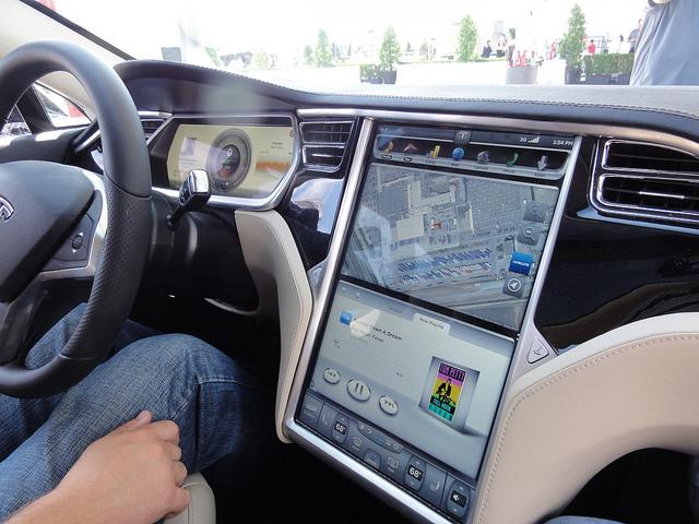 Écran tactile de la Tesla Model S