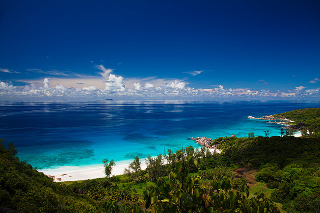 Vue paradisiaque des Seychelles.
