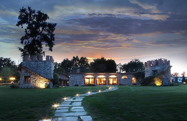 Villa luxueuse construite sur la Côte d'Azur.