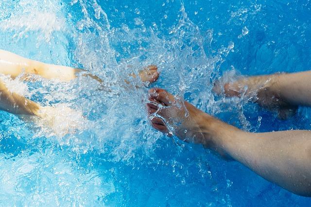 Activité sportive dans l'eau.